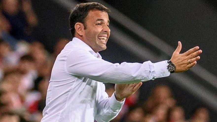 Calleja deja fuera de la lista a Barbosa, Miguelón, Bonera y Morlanes