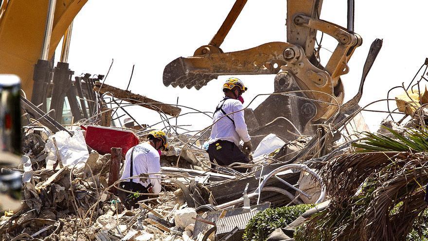 Los fallecidos por el derrumbe de Miami llegan a 96