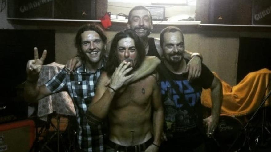 Ernesto Oliete, exbajista del grupo punk Guadaña, fallece a los 57 años