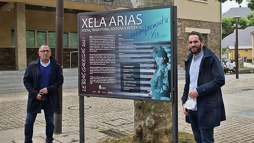 Carral dá a coñecer a Xela Arias con paneis informativos