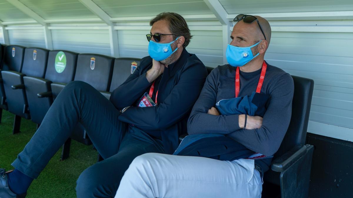 Soriano, a la derecha, durante el partido del domingo que dio el ascenso a la UD Ibiza ante el UCAM Murcia.