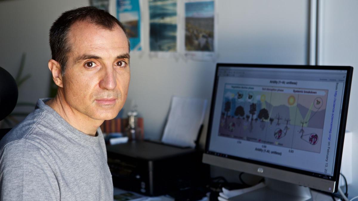 El investigador de Sax dirige el grupo del Laboratorio de Ecología de Zonas Áridas y Cambio Global de la Universidad de Alicante.