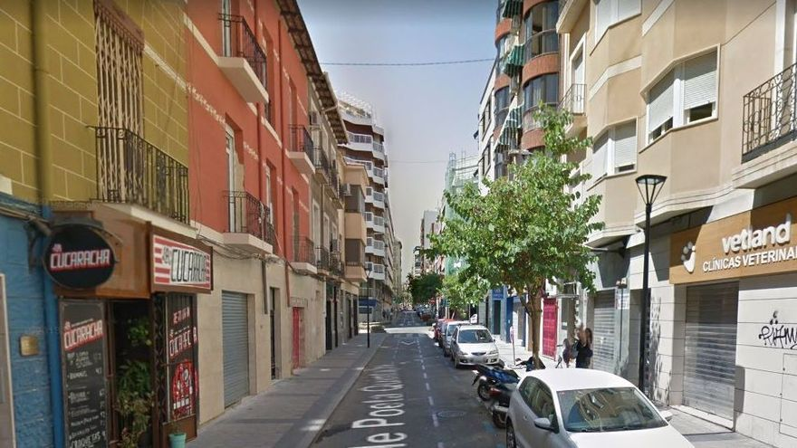Agreden con un cuchillo el recepcionista de una pensión de la calle Poeta Quintana en Alicante
