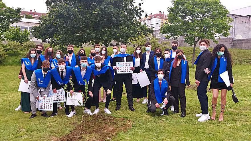 Acto de graduación de los alumnos de Segundo de Bachillerato del instituto A Sardiñeira