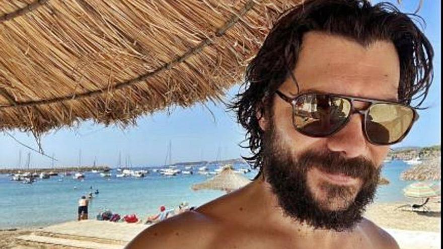 Álvaro Morte, relax en Mallorca antes del estreno de 'La casa de papel 5'