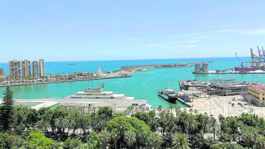 Nuevos fondos buscan en Málaga edificios junto al mar para oficinas