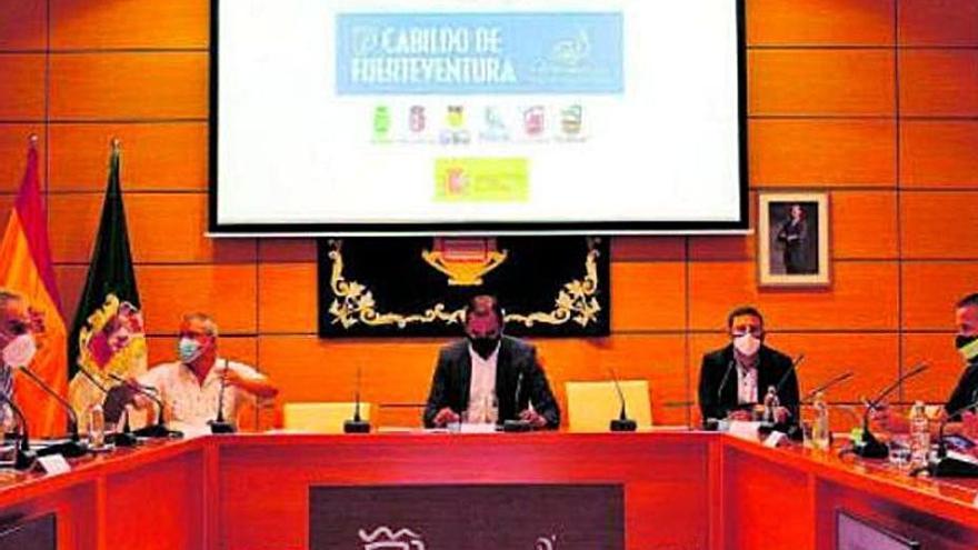 El Cabildo prevé desactivar el plan insular de emergencias al bajar el número de contagios