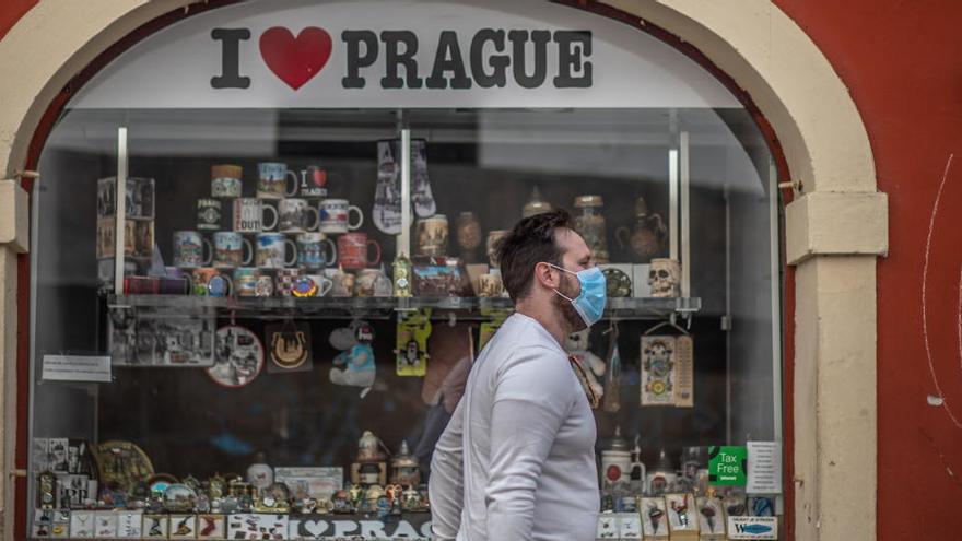 """República Checa lanza su """"cuarentena inteligente"""""""