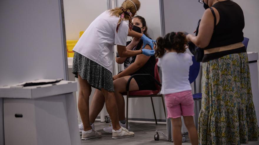 La vacunación de los niños andaluces menores de 12 años podría comenzar en octubre