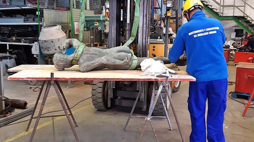 Restauran el conjunto escultórico 'Los niños de  la barra' de Juan Bordes