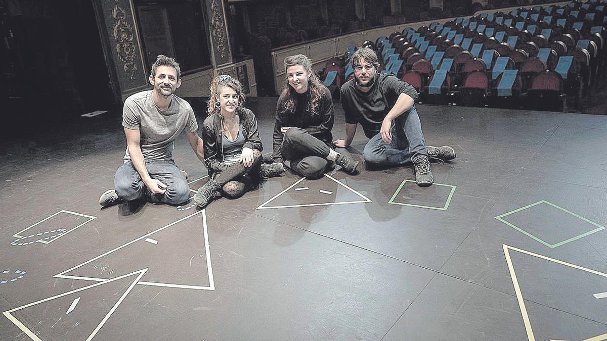 Diego Ingold, Lluki Portas, Gal·la Peire y Marc Homar, ayer en el escenario del Principal.