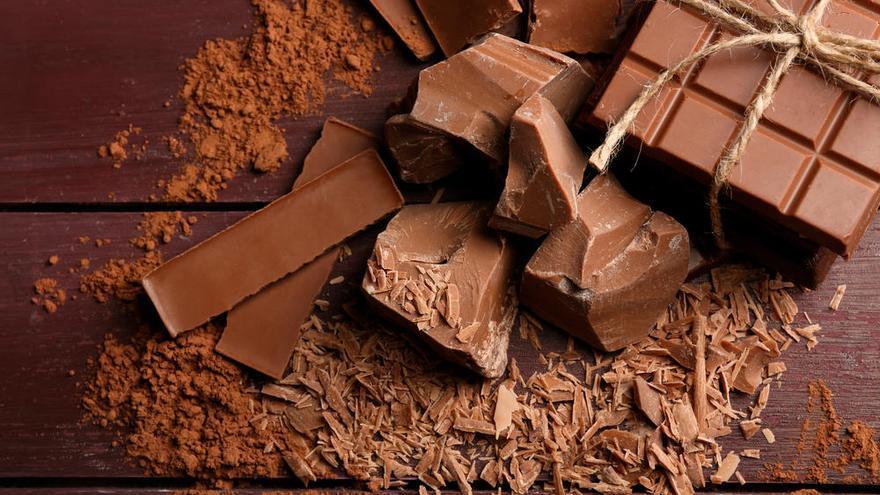 Tostadas, chocolate... Los mejores snacks con menos de 100 calorías para adelgazar (y no pasar hambre)