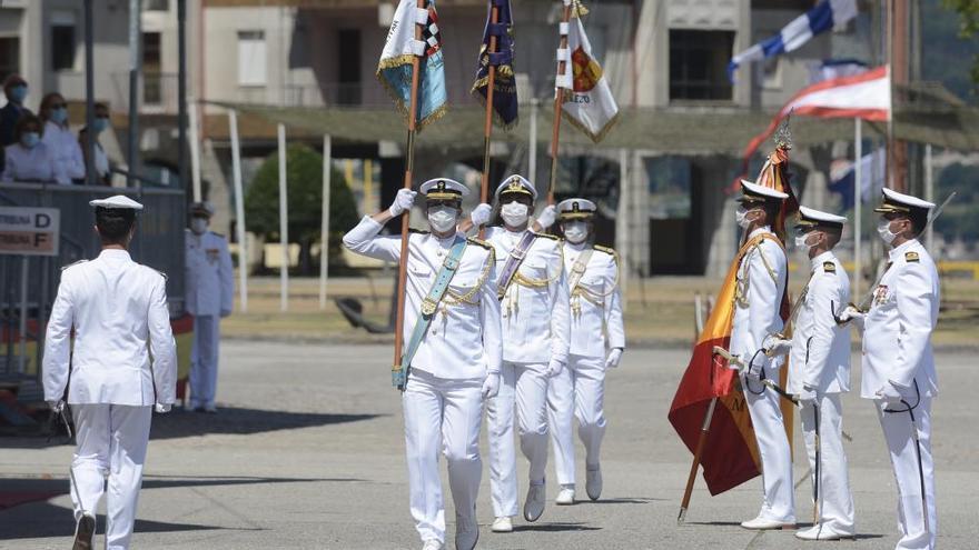 La Escuela Naval de Marín saluda a 112 nuevos oficiales de la Armada