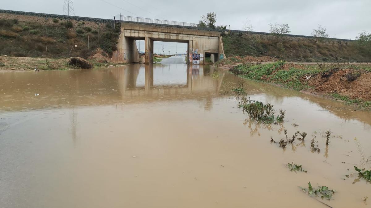 Inundaciones en el Camino del Sifón entre Santa Ana y la carretera F36 de La Palma.