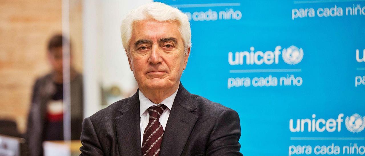Gustavo Suárez Pertierra.      LNE