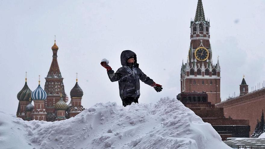 Una nevada «apocalíptica» sepulta Moscou