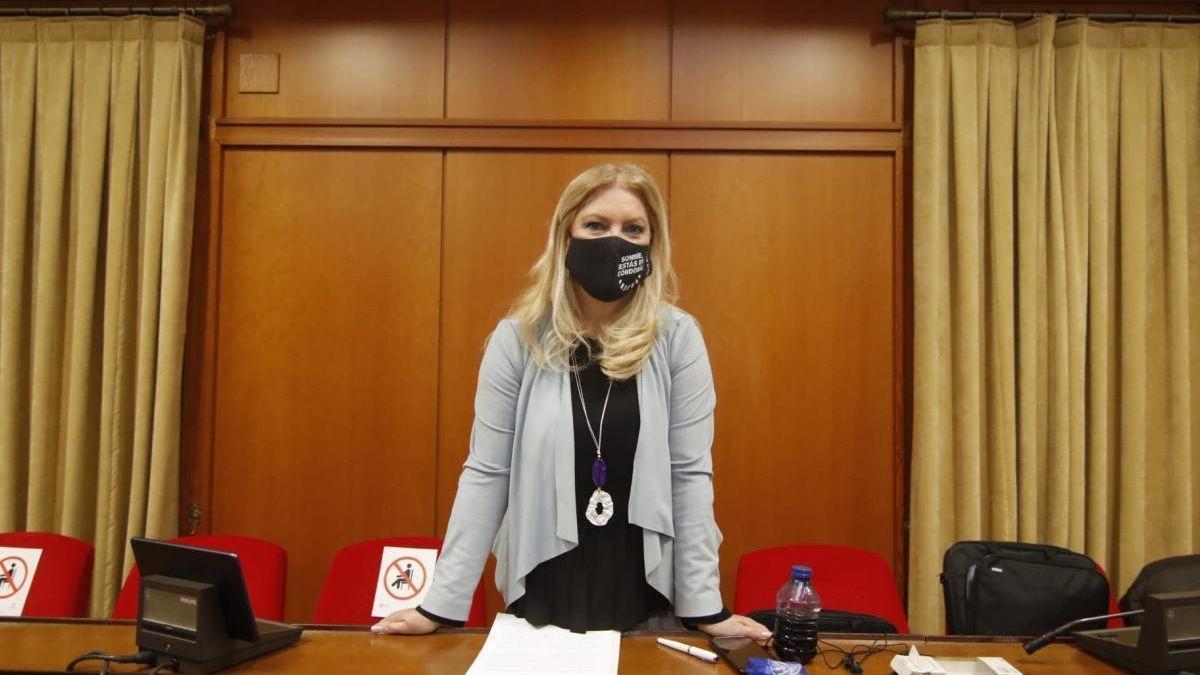 Cristina Pedrajas, en el salón de plenos del Ayuntamiento.
