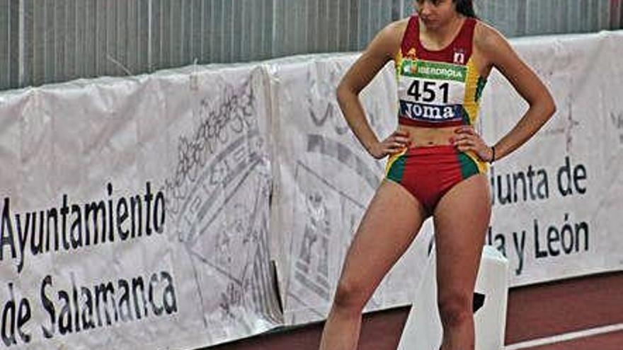 Helena España, en la salida de los 200 lisos.