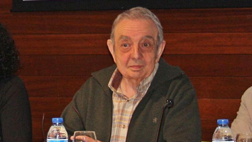 El fallecido, durante una presentación. | Camporro