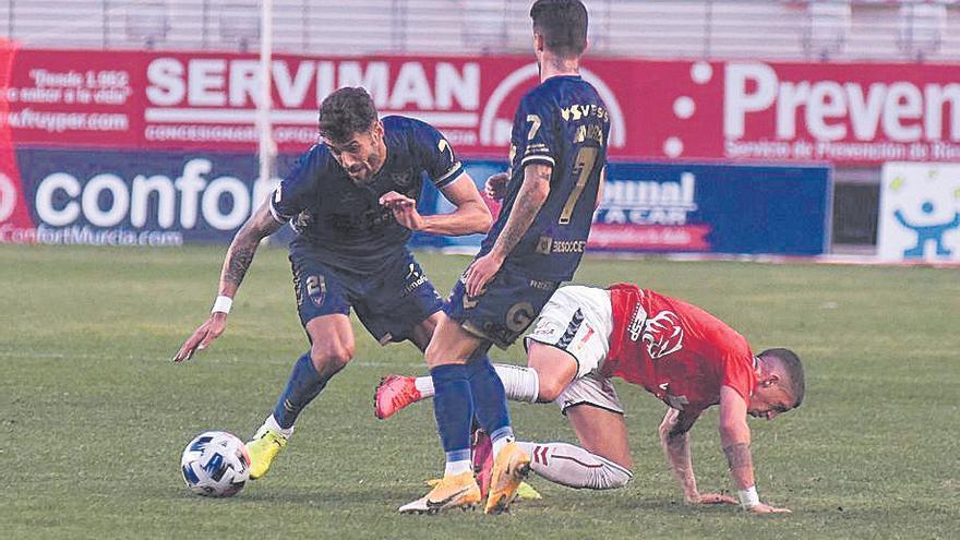 El UCAM Murcia recupera a Adri León y a Viti para recibir al Yeclano
