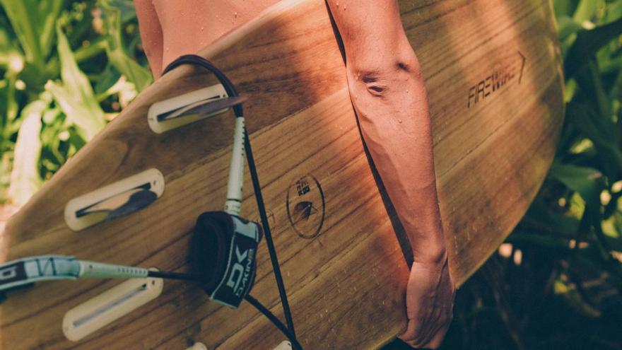 Las mejores tablas de surf para surcar olas o remar sobre el mar