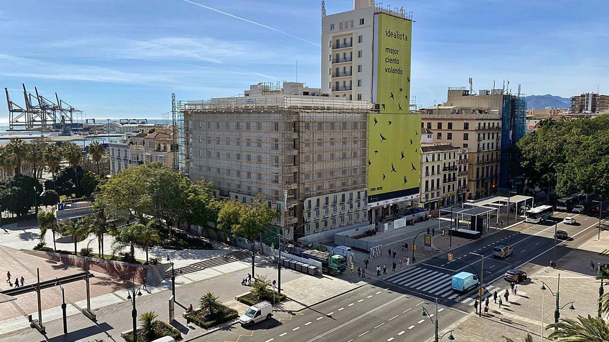 Imagen de la torre de la Equitativa, cuya reforma entra en su recta final. | ÁLEX ZEA