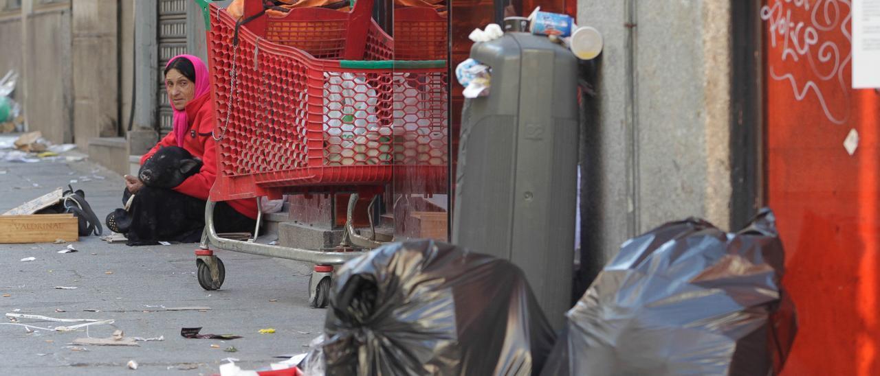 La pobreza severa se dispara un 49% en Canarias.