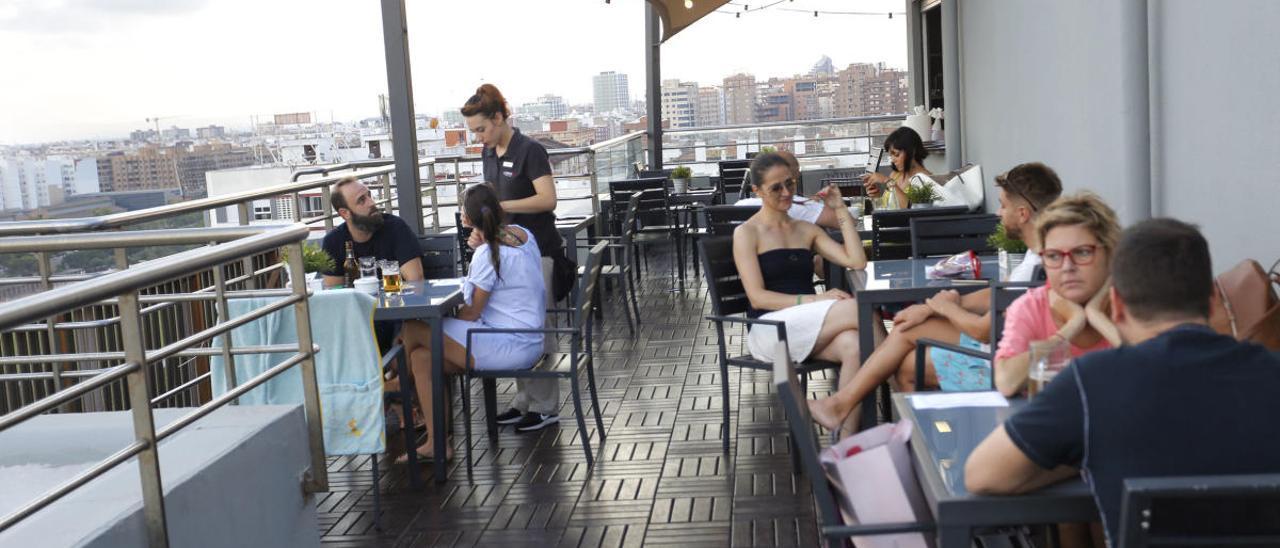 La Comunitat Valenciana encabeza la destrucción de empleo por el turismo