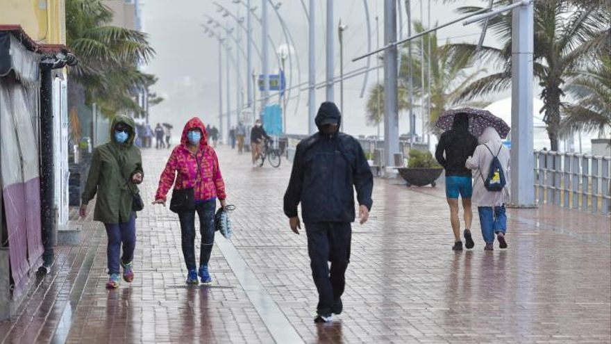 La borrasca Clement pone en alerta a Lanzarote y Fuerteventura