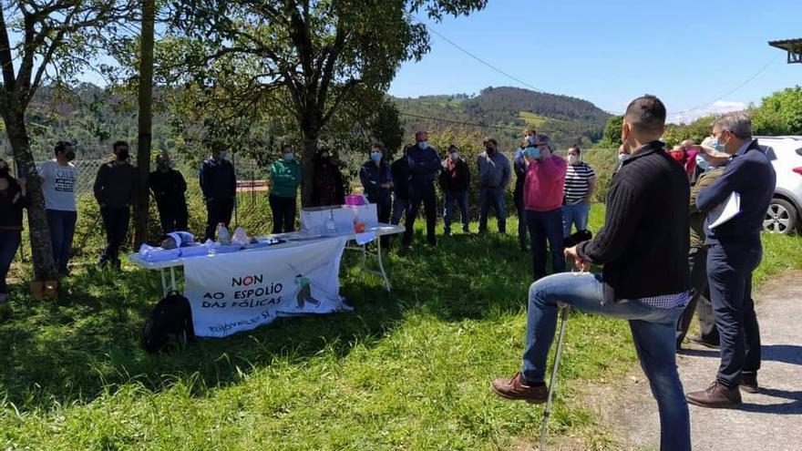 Unións Agrarias, en la reunión de los eólicos con vecinos de Sabrexo