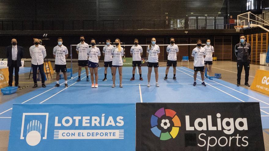El club de bádminton asturiano, entre los mejores de España: En época de precariedad, doble liderato del Oviedo