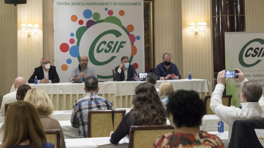 CSIF denuncia la precariedad y temporalidad de los funcionarios regionales