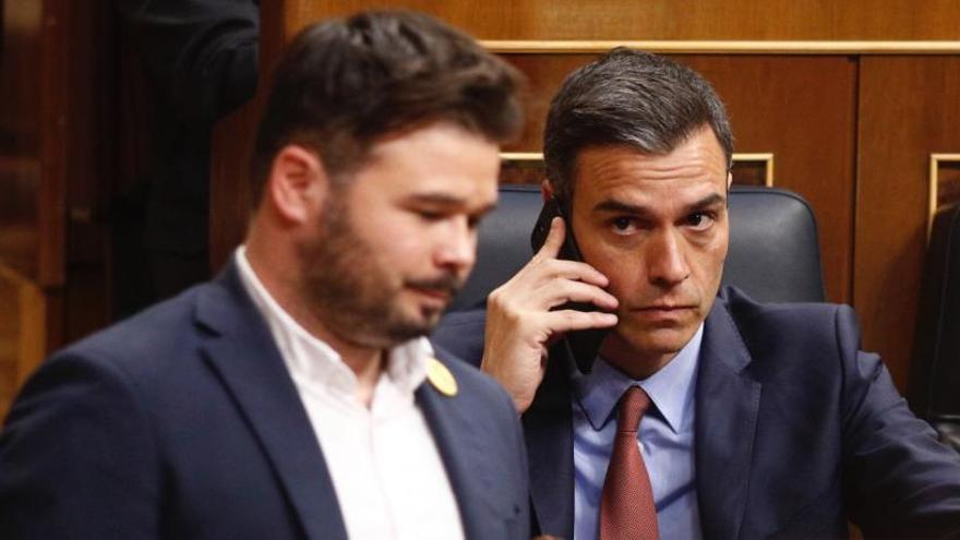 Los pactos en los ayuntamientos complican la investidura de Sánchez