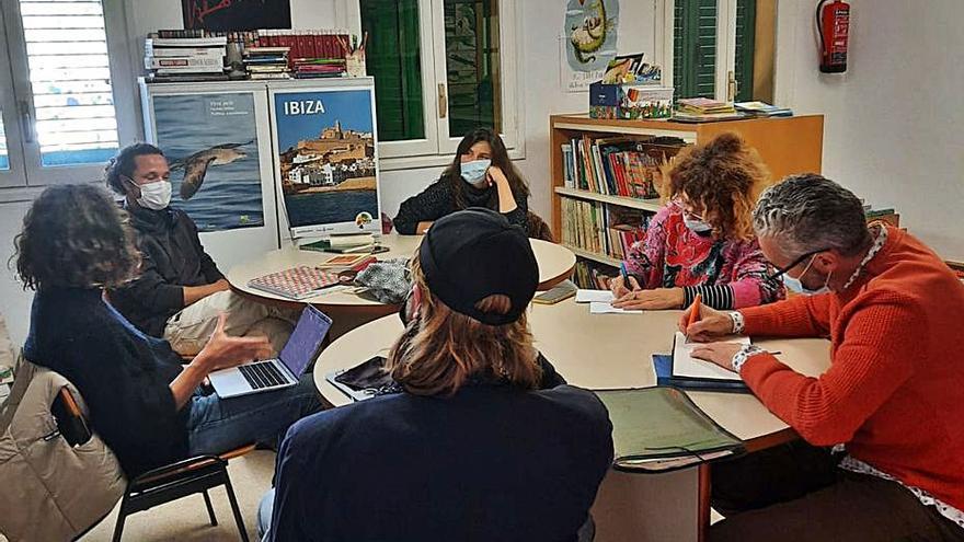Sant Joan organiza un curso de escritura creativa en la biblioteca