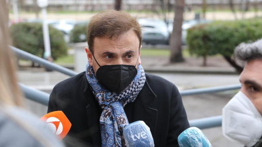 Los famosos estafados por el 'hombre los 2.000 tumores' reclaman ser indemnizados