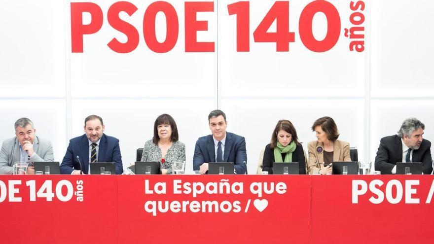 La Ejecutiva del PSOE se reúne el lunes para analizar la crisis