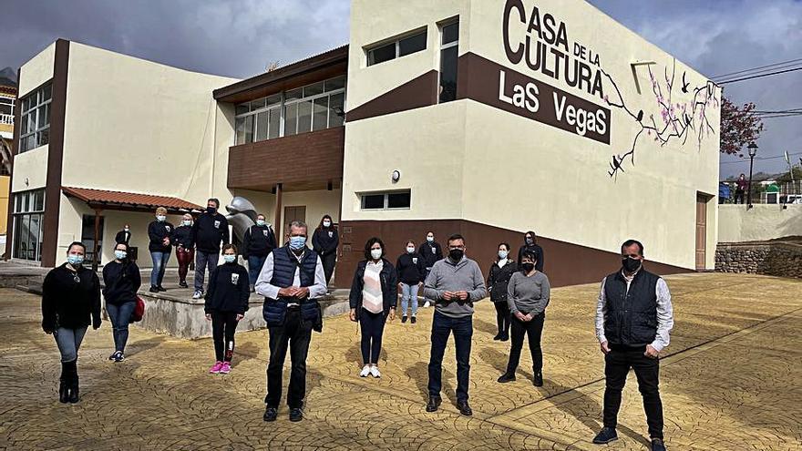 La Casa de la Cultura de Las Vegas luce el logo del Rancho de Ánimas