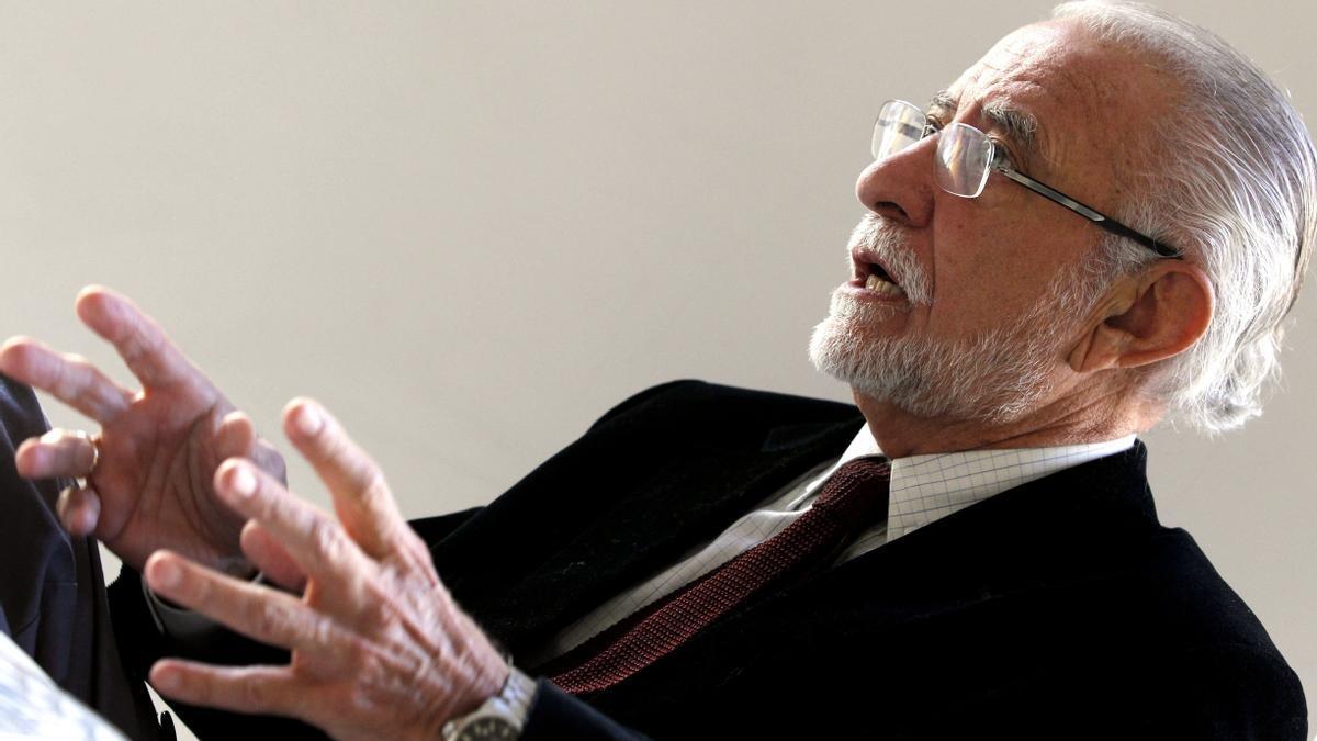 El escritor José María Merino presenta 'Noticias del Antropoceno'