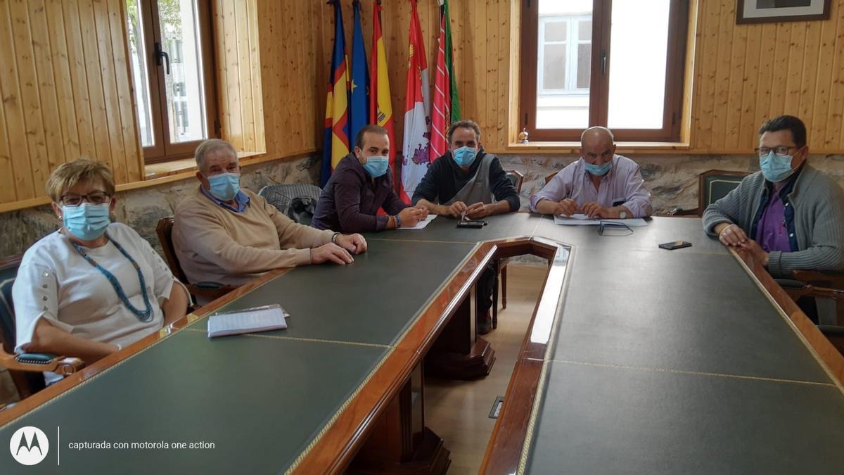 Miembros de la corporación municipal del Ayuntamiento de Galende
