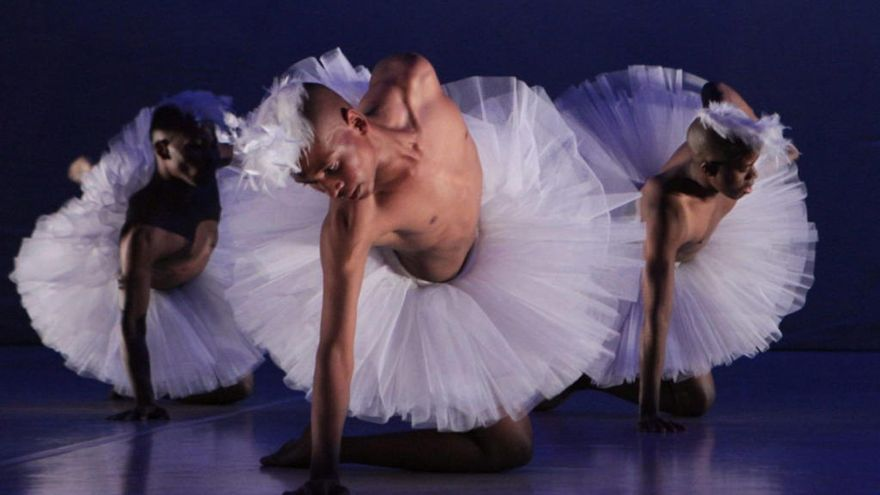 El lago de los cisnes: un ballet a ritmo africano