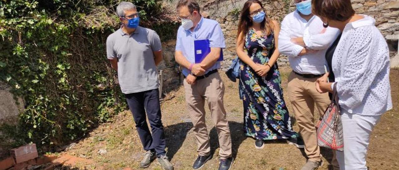 La visita de ayer a la zona donde reposan los restos de la partida de Caxigal.