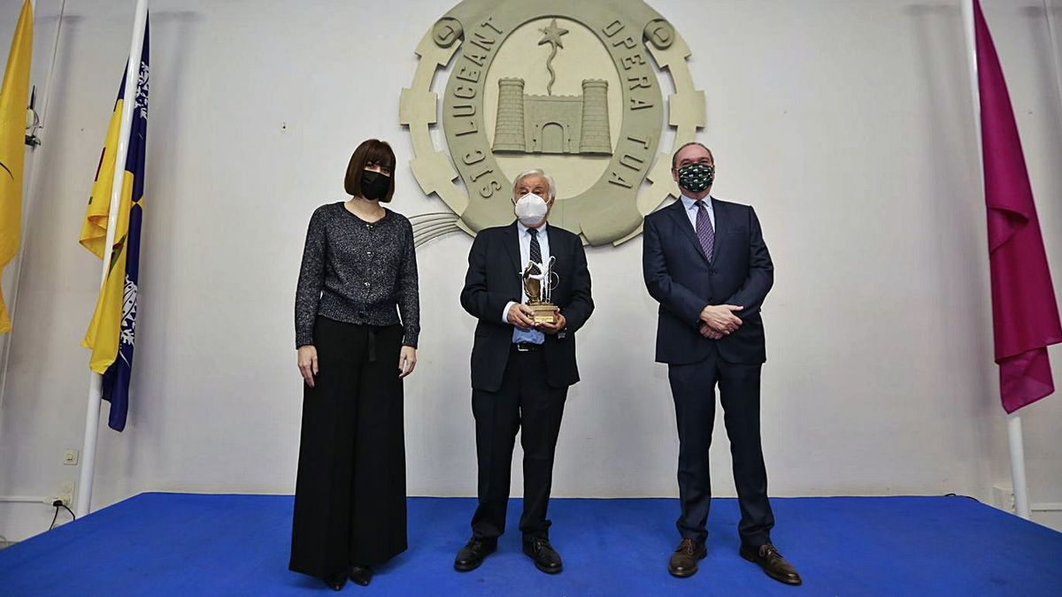 Premio de Fomento AIC para un reconocido arquitecto   NOMBRE FEQWIEOTÓGRAFO