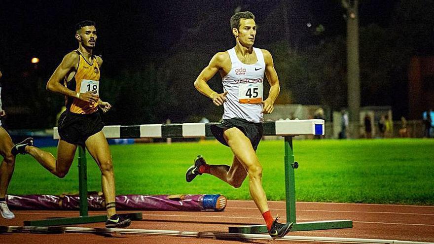 Mario rebaja su mejor marca en los 3.000 metros de Barcelona