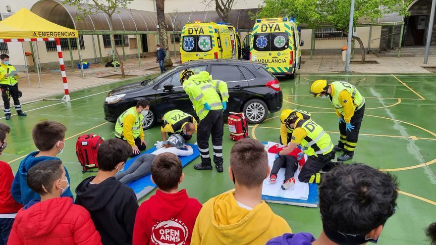 Simulacro de accidente en el colegio Delicias