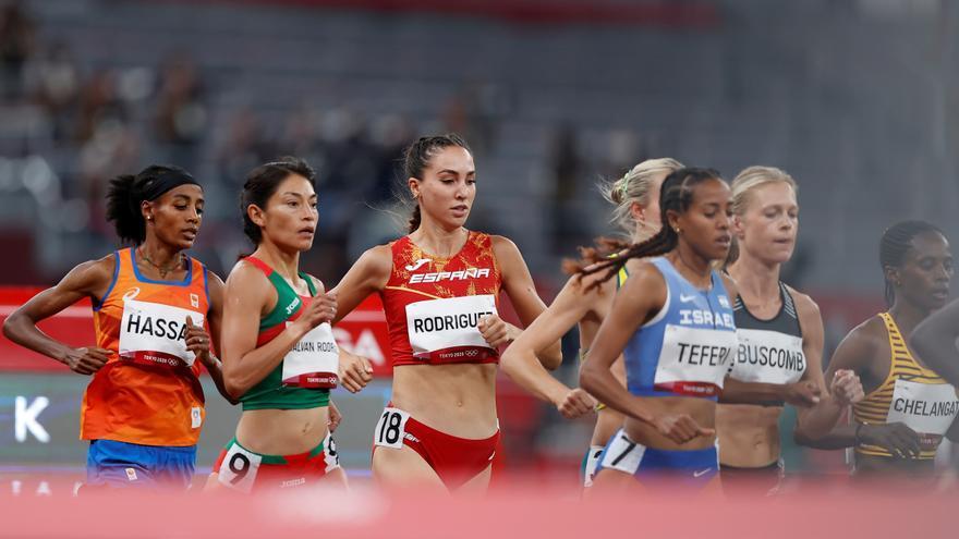 La atleta Lucía Rodríguez cae en los 5.000 metros con récord personal