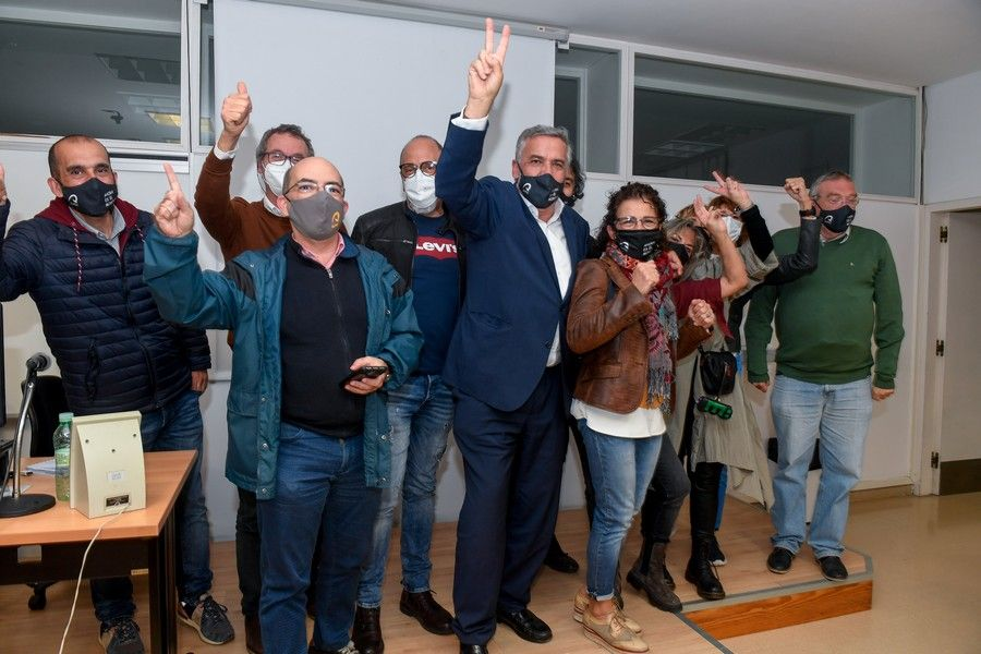 El equipo de Luis Serra celebra la victoria en las elecciones de la ULPGC