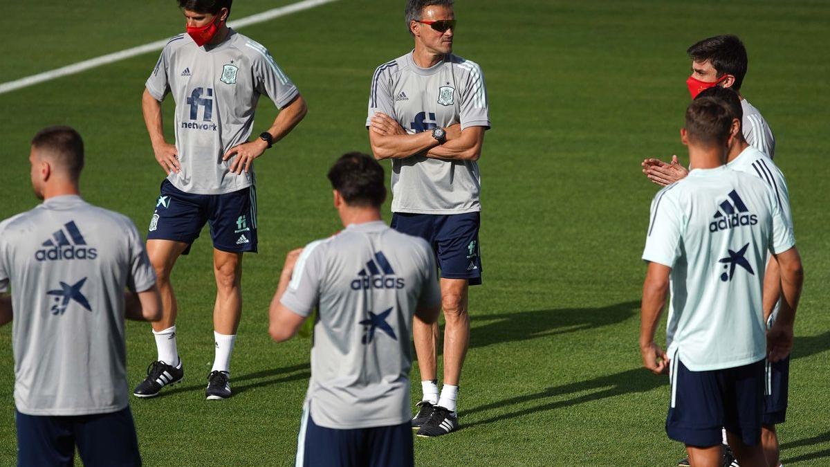 Entrenamiento de la selección Nacional de Futbol en la Ciudad del Futbol de Las Rozas.