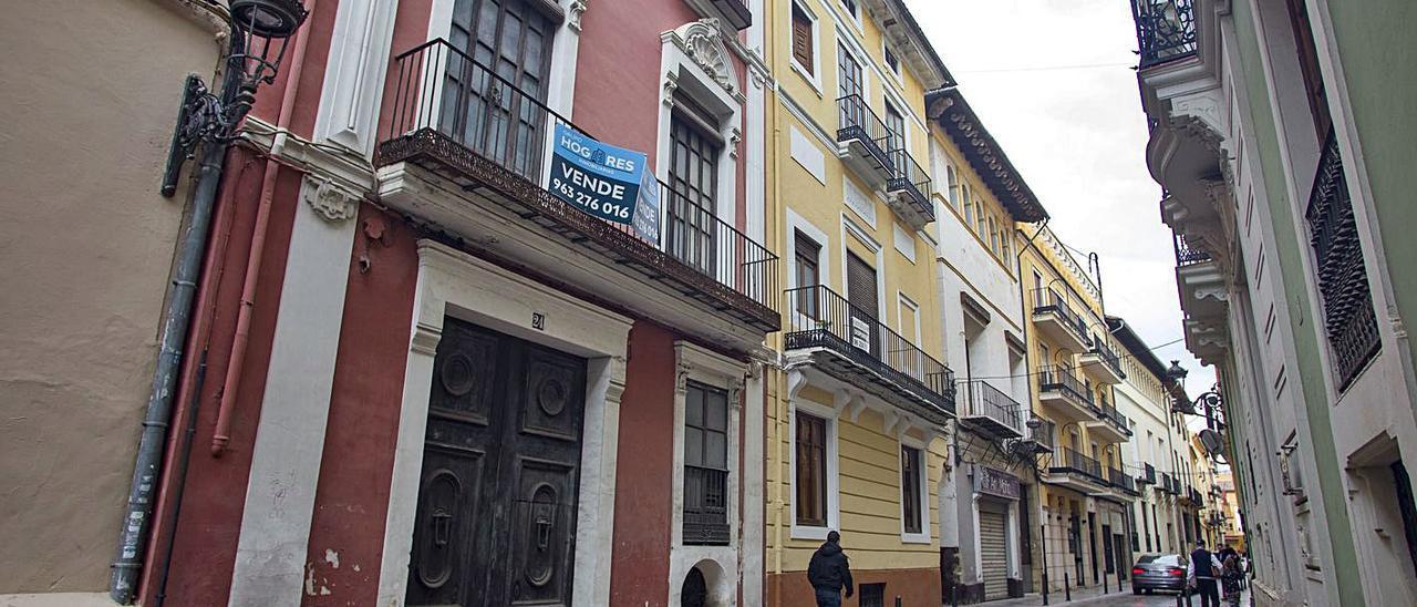 Casa en venta en la calle Montcada de Xàtiva, en una imagen de archivo | PERALES IBORRA
