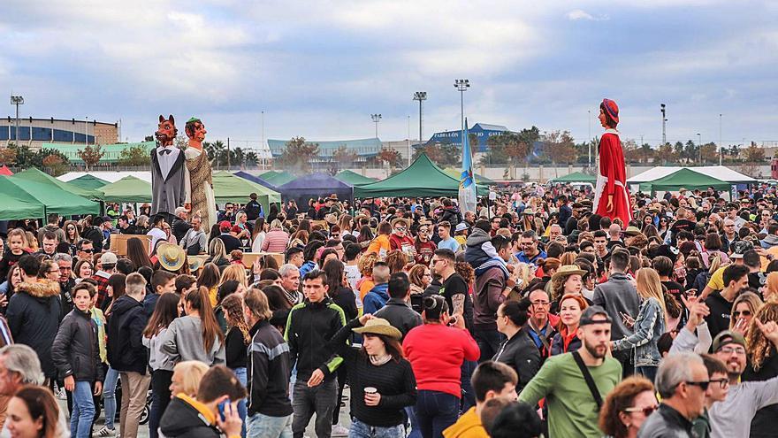 Torrevieja recupera paellas, Charamita y procesión en las fiestas patronales