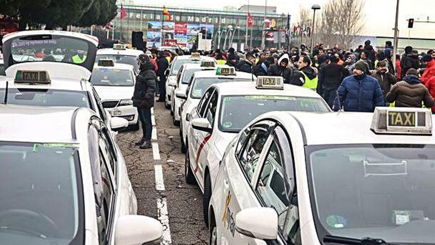 Els reis han d'entrar per una porta lateral d'Ifema, bloquejada pels taxistes